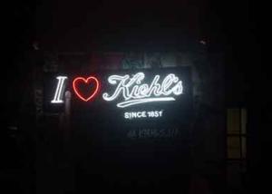 """Неоновая вывеcка """"I love Kiehl's"""" (миниатюра)"""