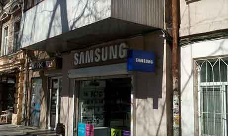 """Объемные буквы и двусторонний торцевой лайтбокс """"Samsung"""" на Жуковского (миниатюра)"""