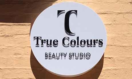 """Лайтбокс с псевдообъемными буквами и контражурной подсветкой """"True Colours"""" (миниатюра)"""