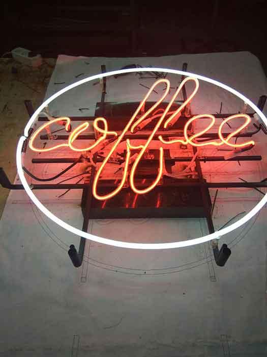 """Неон на металлической сетке """"coffee"""""""