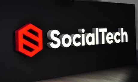 """Объемные буквы с внутренней подсветкой """"SocialTech"""" (миниатюра)"""