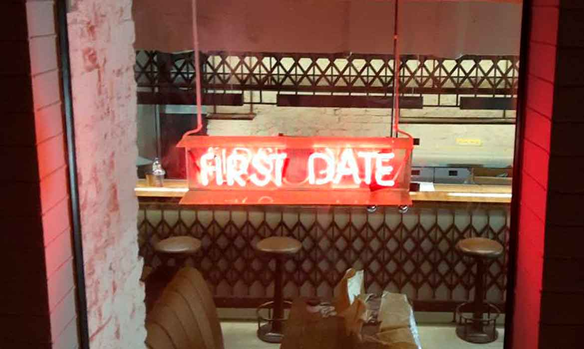 """Neon """"First Date"""""""