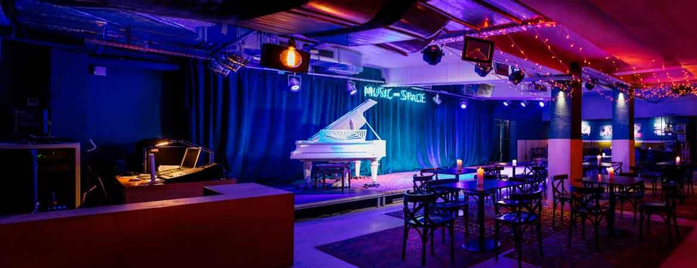 """Неоновая вывеска для музыкального пространства """"MK Music Space"""" (2)"""