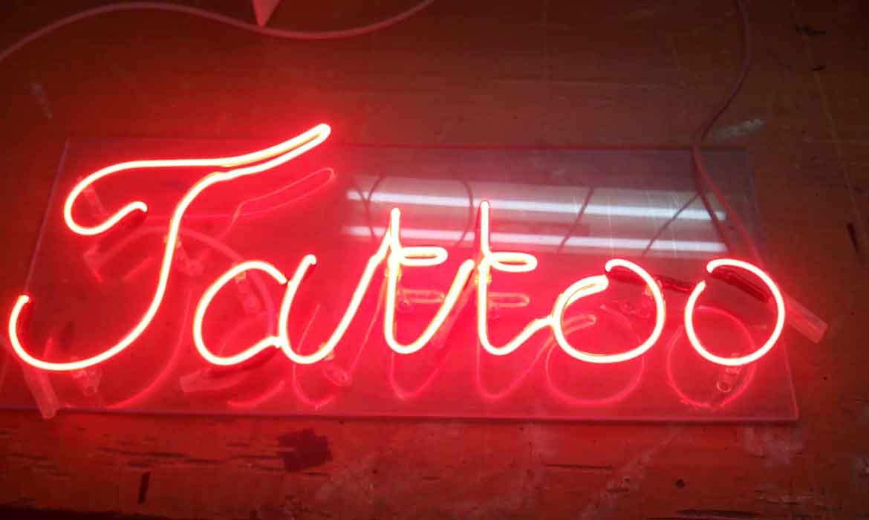 """Неоновая вывеска """"Tattoo"""""""