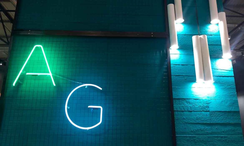 "Неоновые буквы ""AG"" для ""Accord Group"" на выставке в МВЦ"