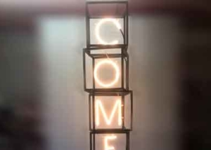 """Неоновые буквы """"COMFORTO"""" (миниатюра)"""