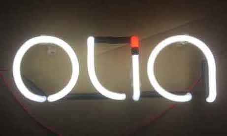 """Неоновые буквы """"Olia"""" для """"Garnier"""" (миниатюра)"""