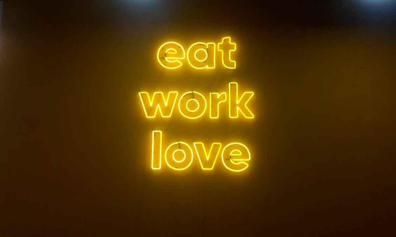 """Неоновые надписи """"Eat, Work, Love"""" для коворкинга """"tceh"""""""