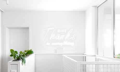 """Неоновые надписи в квартиру """"Give Thanks in everything"""" (миниатюра)"""