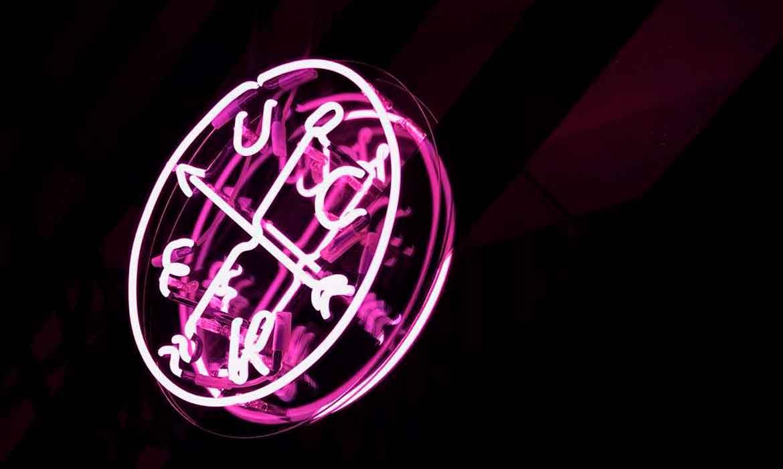 """Неоновый логотип """"gruppirovka"""" для ресторана """"ZVD"""""""