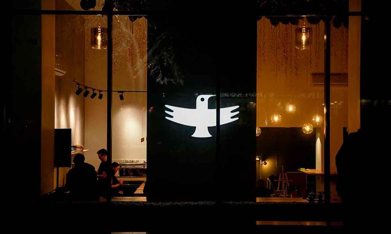 """Объемные буквы логотип """"Jays : Coffee Brewers"""" (ночь)"""